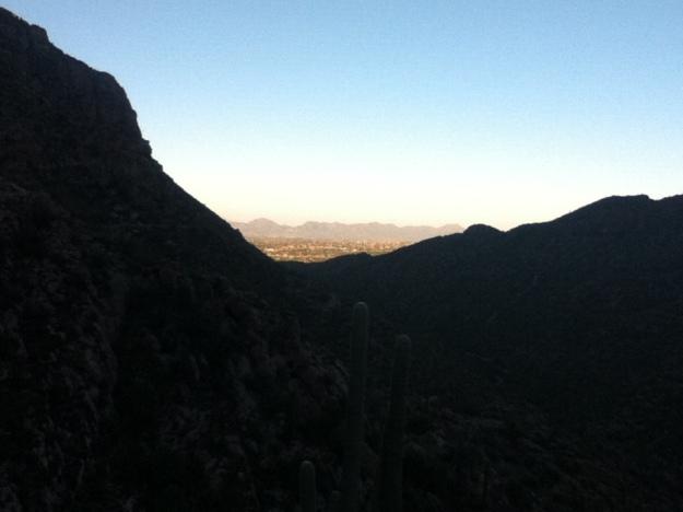 Vedere spre sud. In Tucson e deja lumina bine. Si cald.